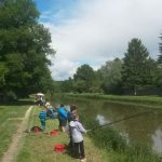 Des gamins ravis à l'initiation pêche